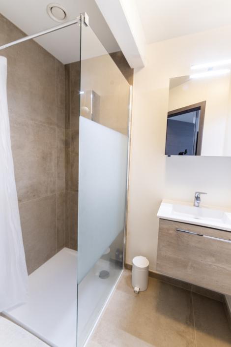 badkamer met inloopdouche kamer 1